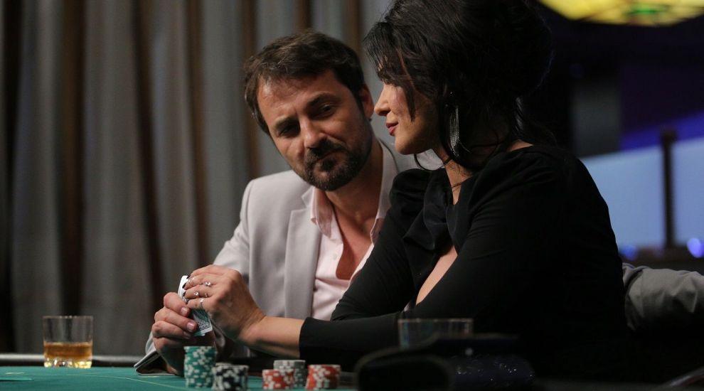 Leo ajunge aproape de Vlad, în viața lui Ștefan își face apare Carla! Răsturnări de situație, luni, în serialul VLAD!
