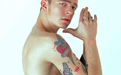 Jean Gavril, pasionat de tatuaje din copilărie