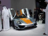 Bijuteriile expuse la Salonul Auto din Qatar uimesc intreaga lume