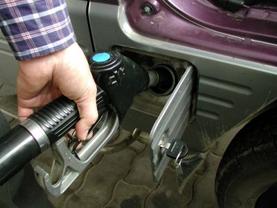 Transportatorii se iau de  matematica  OMV Petrom! Cum justifica petrolistii  scumpirile?