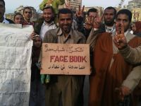 Mubarak, dat jos de Facebook si Twitter! Ce rol au jucat retelele de socializare in demisia presedintelui egiptean?