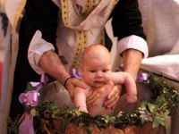 Cat mai cer preotii pentru un botez? VIDEO!