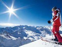 """Vreme buna de schi la munte!Partiile din tara au """"primit"""" zapada! VIDEO"""
