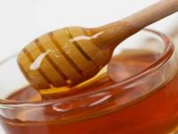 De ce s-a scumpit mierea sau cum am ajuns sa importam polen?