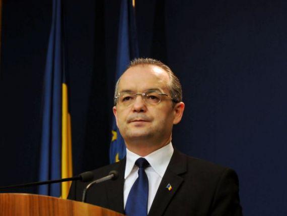 Boc se lauda cu disponibilizarile: a mai dat afara 10.000 de bugetari, de la inceputul anului!