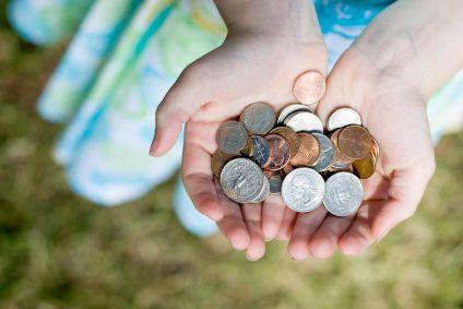 Cumulul ajutoarelor sociale va fi plafonat la maximum 2.000 de lei