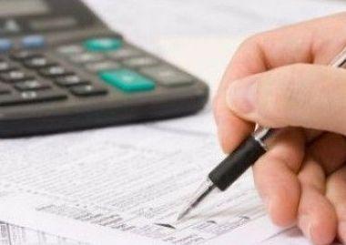 Botis: Guvernul reduce taxele pe forta de munca, la mijlocul anului
