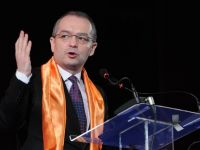 Guvernul cumpara voturi impotriva motiunii! 90 mil. euro merg catre primarii, majoritatea conduse de PDL