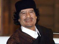 Muammar Kadhafi, cel mai temut dictator din lume, nu zboara peste ocean si este pazit numai de femei VIDEO