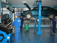 "Service-urile independente iau ""fata"" celor de firma. Tu unde iti repari masina?"