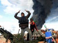 Petrolul s-a scumpit luni la peste 116 dolari pe baril, din cauza razboiului din Libia. Ce se intampla cu benzina?
