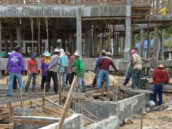 Ministerul Muncii recunoaste ca un milion de romani muncesc la negru!