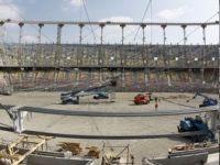 """Cum a ajuns """"Lia Manoliu"""" sa coste dublu si cum construiesc britanicii mai repede un stadion mai mare si mai ieftin"""