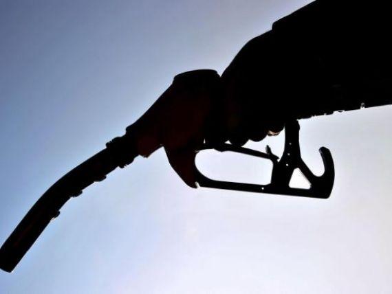 Pretul petrolului a atins maximul ultimilor doi ani si jumatate