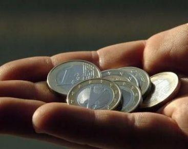 Finante: Contributiile sociale pot fi reduse cu 1-3 puncte, din 2012