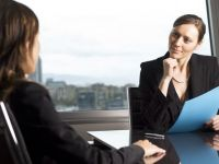 Ii recomanzi sefului un angajat bun? Primesti bani pentru asta!