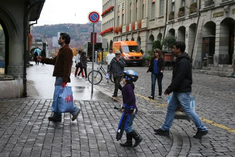 Elvetia nu mai vrea imigranti. In special, romani si bulgari
