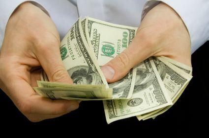 Cum sa  spargi  un milion de euro. Povestile unor tineri care nu mai viseaza sa castige la Loto