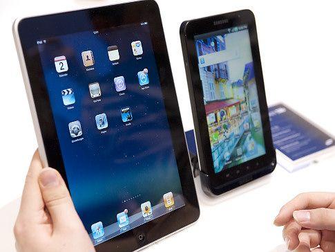 Apple ii da in judecata pe cei de la Samsung, pentru ca le copiaza produsele