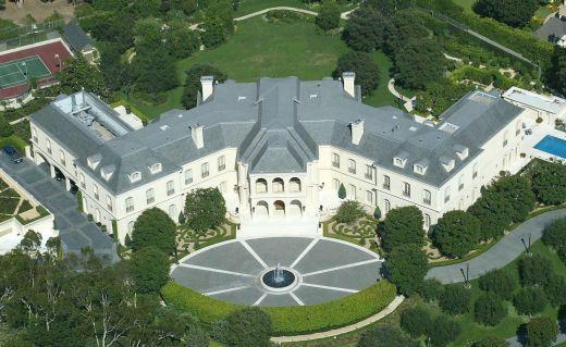 Cea mai scumpa casa din SUA, construita de Aaron Spelling, a fost cumparata de un model de 22 de ani