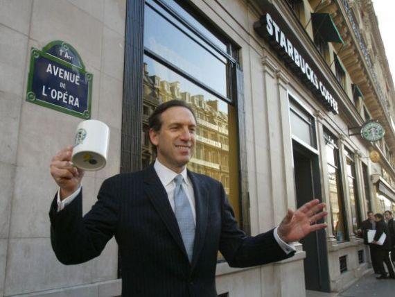 Cum salvezi o companie de la cadere. Ce miscari a facut CEO-ul Starbucks, Howard Schultz, pentru a repune pe picioare cel mai mare lant de cafenele din lume