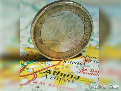 Analistii se tem: Grecia va ramane in perfuzii financiare ani la rand. Populatia elena pregateste o noua greva generala