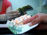 Romanii au trimis, in primele patru luni ale anului, de doua ori mai putini bani ca in 2008