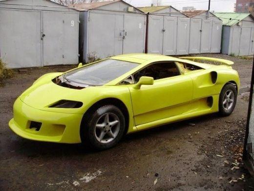 Si-a construit o super masina in garajul din spatele blocului. FOTO