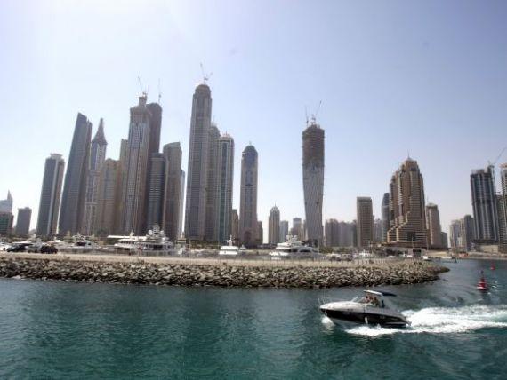 Un hotel de cinci stele din Dubai vrea sa angajeze 40 de romani. Vezi aici ce posturi sunt disponibile si unde trebuie depus CV-ul