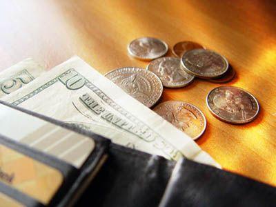 Esti inglodat in datorii? Cum a reusit un american sa achite trei carduri de credit in valoare de 10.000 de dolari