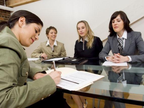 Angajatorii, scutiti de la plata a 50% din CAS daca angajeaza tineri pana in 25 de ani