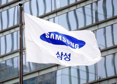 Razboi Samsung - Apple: sud-coreenii cer SUA interzicerea importului de iPhone, iPad si iPod