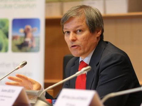 Ciolos: In Romania, absorbtia fondurilor europene pentru agricultura merge deocamdata bine