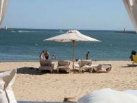 Vrei sa pleci in vacanta? De la 1 iulie, preturile pe litoralul romanesc s-au majorat cu 30%. Cat costa o noapte de cazare