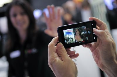 Apple si Samsung au lovit LG. Compania a redus tinta de vanzari pentru smartphone-uri