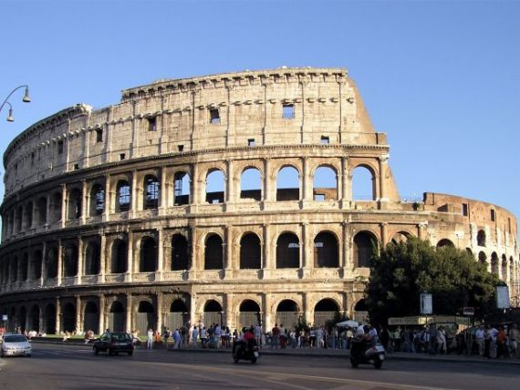 Echipa de salvare  a Europei nu poate face fata unei crize in Italia. 13 semne ca Roma ii urmeaza Atenei. VIDEO