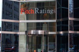 Fitch a retrogradat ratingul Greciei cu trei trepte, de la  B+  la  CCC