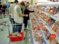 Romanii ies, din nou, la cumparaturi. Cu cat le-au crescut afacerile comerciantilor