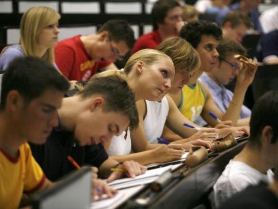 Disperati dupa studenti. Ce universitate primeste absolventi fara diploma de bacalaureat