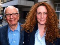 Protejata lui Murdoch, Rebekah Brooks, arestata in scandalul interceptarilor de la News of the World