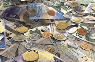 Top 9 produse in care poti investi daca dolarul se depreciaza masiv