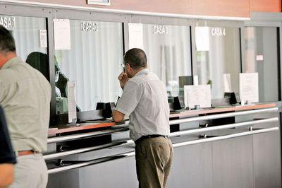 Lista comisioanelor  exotice  percepute de bancile din Romania. Cat cere banca in plus daca iti plateste altcineva rata