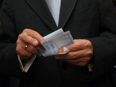 Sase motive pentru care criza datoriilor din Europa abia incepe