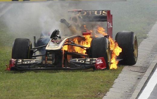 Cum arde 1 milion de euro! O masina de Formula 1 s-a facut scrum sub ochii pilotului. VIDEO INCREDIBIL: