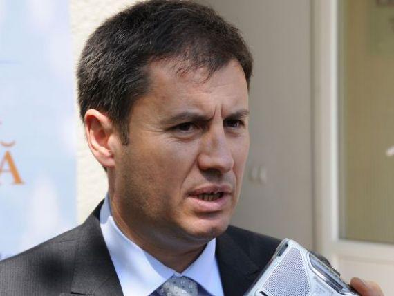 Ministrul de Interne recunoaste coruptia din propria ograda: 30.000 de politisti angajati  pe pile , calificativele date  din burta