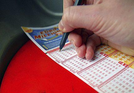 Formula norocului: cum sa castigi la loto. Sfaturi de la matematicieni si invingatori