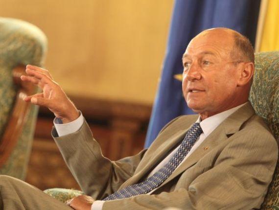 Procesul Basescu-Patriciu in dosarul  pixelul albastru . Interpretarea filmului din campania din 2004