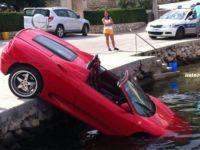 """<span style=""""color: rgb(255, 0, 0);"""">Rar vezi asa ceva! </span>Cel mai prost sofer din lume: cum a distrus un Ferrari de 120.000 euro!"""