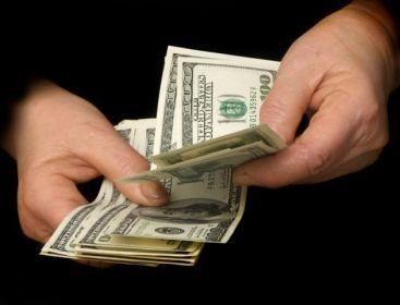 Editorial Bloomberg: Sunt indeajuns de multi bani in lume pentru a salva bancile de la colaps?