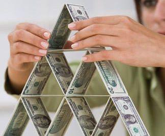 Roubini: SUA va incepe sa tipareasca bani